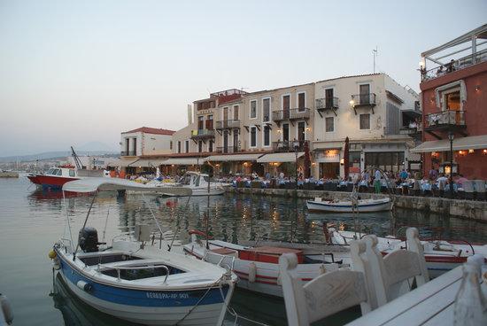 Zefyros Family Fish Taverna: Venetian Harbour from Zefyros.......