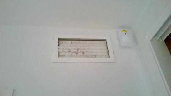 Apartamentos Pierre & Vacances Benalmadena Playa: Rejilla aire acondicionado