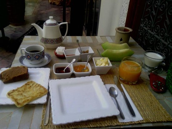 RIAD JARDIN DES REVES : My firs brakefast in the Riad