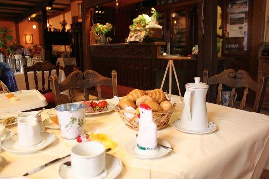 Weinhaus Weiler: Breakfast