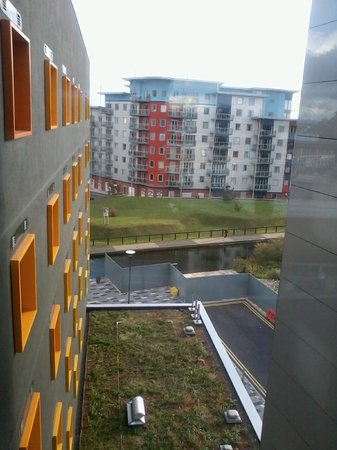 Premier Inn Walsall Town Centre Hotel: view from the bridge