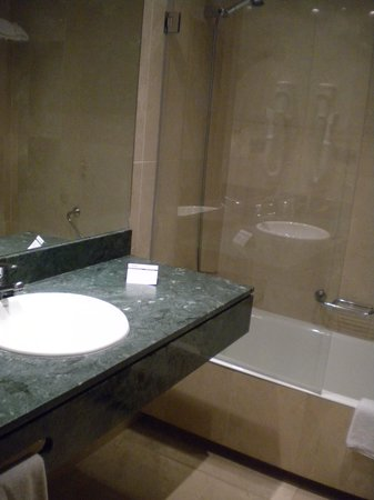 Hotel Fernando III: bath