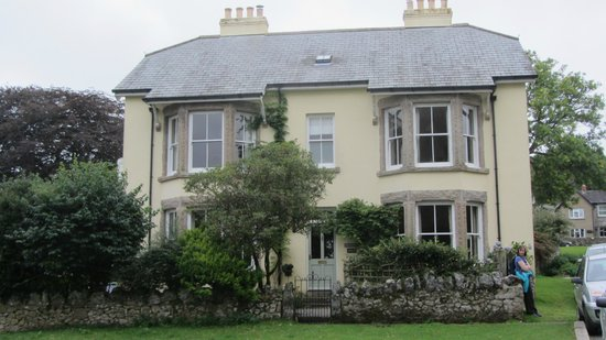 Dartmoor House B&B: Front of Property