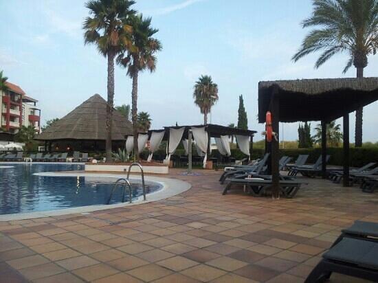 Occidental Isla Cristina: bar piscina