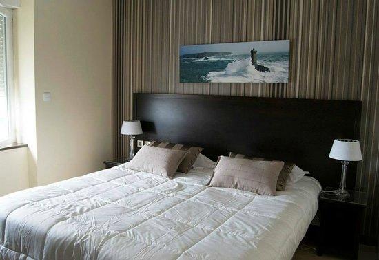 Kermoor Hotel Audierne : chambre  vue mer moderne