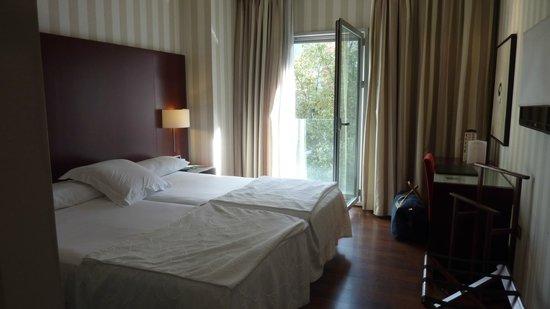 Hotel Zenit Bilbao: chambre