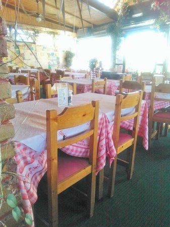 Napoli Pizzeria-Restaurant : Ресторанчик