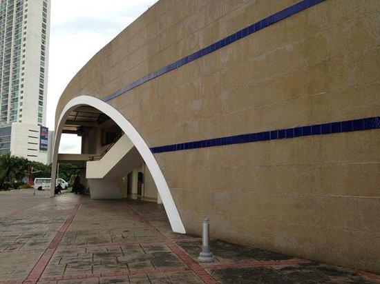 Museo Panama Viejo: Building of the museum