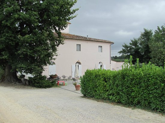 Farm House La Moraia: Anybody Home???