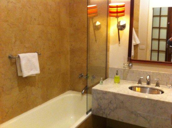 BoBo Hotel: Banheiro