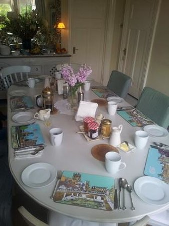 High Beeches: Breakfast table