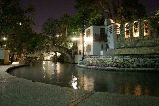 Wyndham La Cascada: A section of the Riverwalk