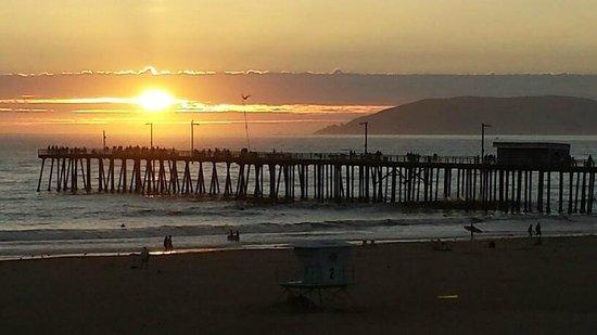 Sandcastle Inn: Pismo Beach Sunset