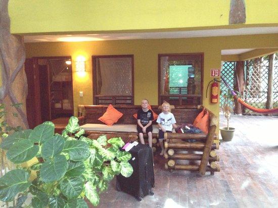 Cabanas La Luna: The porch is big at the Garden Suite!