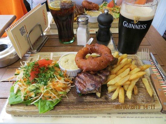 Mando Steakhouse: Steak e Guinness. Perfeito!