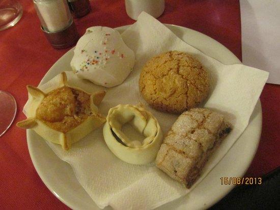 Hotel Sandalion : cenone di ferragosto dolci sardi