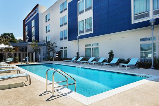 SpringHill Suites Pensacola: Outdoor Pool
