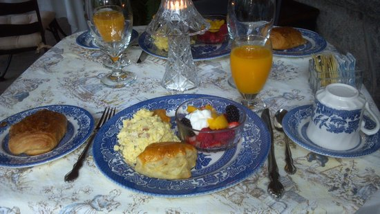 Pinebrook Manor B&B Inn: A lovely way to start the day!