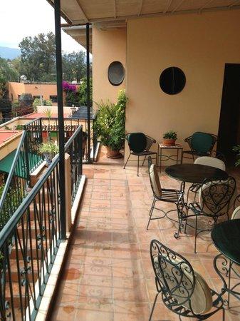 Villa Mirasol Hotel : Terraza