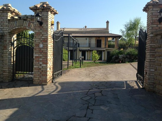 Il Vialetto Country House: Ingresso