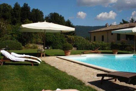 Residenza San Pietro Sopra Le Acque: piscina