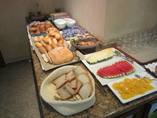 Hotel Dauro Granada: Breakfast