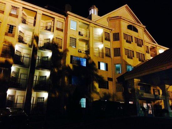 Hotel Grand Victorian: back shot