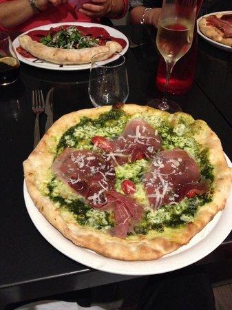 La Bottega : Excellentes pizza par la présentation et le goût