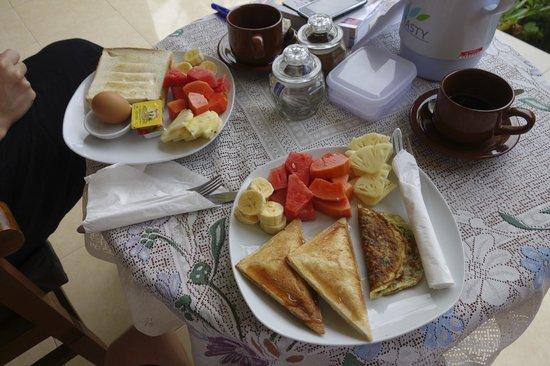 Tanah Semujan Ubud: Frühstück