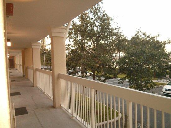 Extended Stay America - Miami - Airport - Doral - 87th Avenue South : Visao da varanda de acesso aos quartos