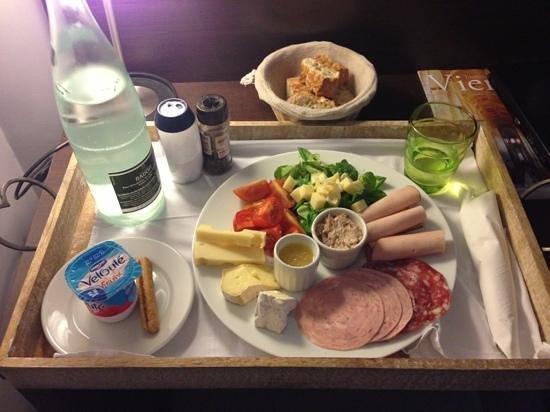 Hôtel Renaudot : j'ai demandé un plateau repas léger ... très bon produits