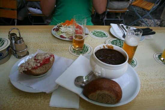 Päffgen: Beef Tartar, Salad, Goulash
