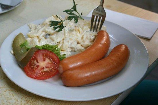 Päffgen: Wurst and Potato salad