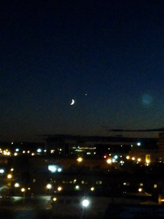 Delta Hotels by Marriott Beausejour : Evening view from the room