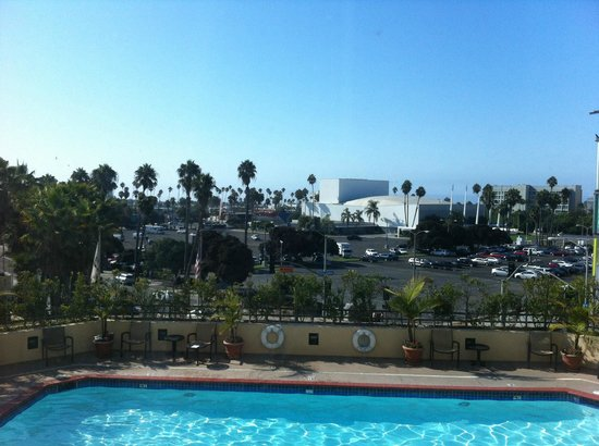 Sala Picture Of Doubletree Suites By Hilton Santa Monica