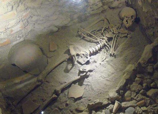 La Casa del Mendrugo: 3000 years-old burial