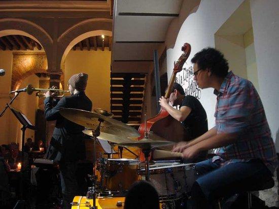 La Casa del Mendrugo: Jazz on Friday