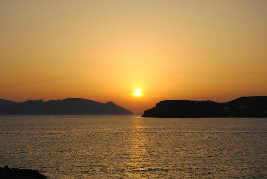 Psili Ammos: Sonnenuntergang auf eingenem Balkon