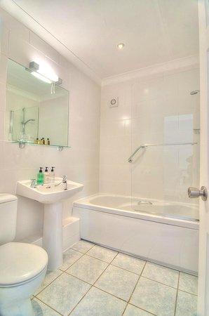 Hotel Iona Torquay : Bathroom