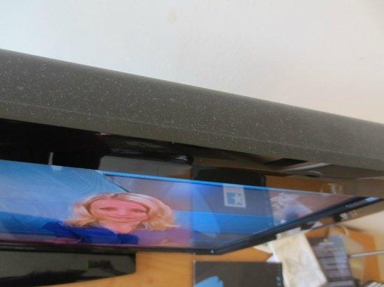 Rocamar Exclusive Hotel & Spa: Dust on TV
