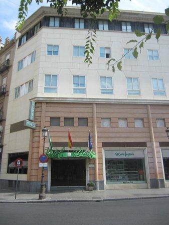 Hotel Derby Sevilla: Hotel Exterior