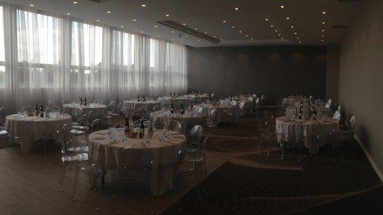Hôtel Le Nogentel : Nogentel Salon Royal, accueille 180 personnes en Banquet ou 250 personnes en Cocktail