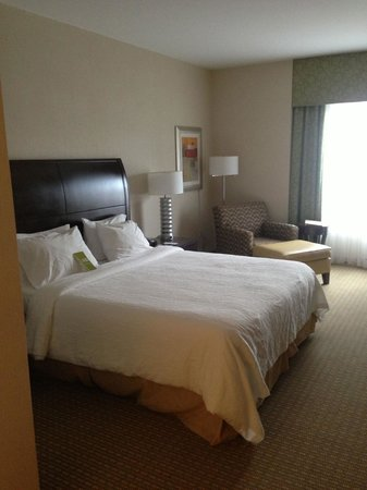 Hilton Garden Inn Arlington/Shirlington: Bed