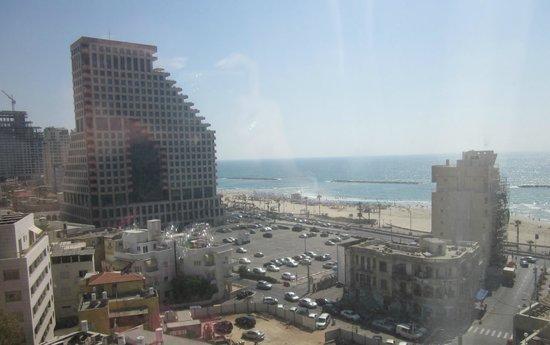 Metropolitan Hotel : Вид из окна
