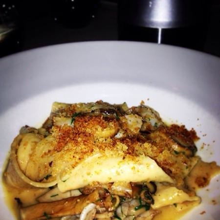 Rockpool Bar & Grill : fresh abalone and wild mushroom pasta