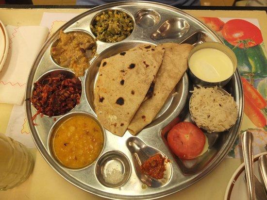 Om Shanthi: Thali