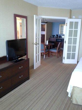Courtyard Virginia Beach Oceanfront/South : Master bedroom