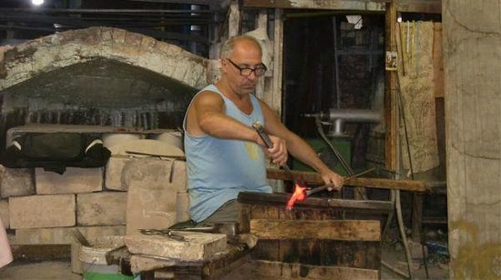 Linea Murano Art Srl: Glass Blowing