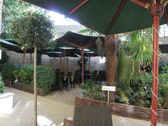 Hotel Spa Le Calendal : Garden / Spa area
