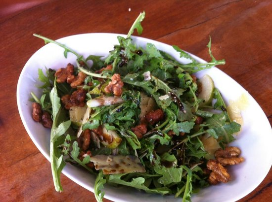 Tom's Kitchen: Rocket, Pear, Parmesan and Walnut Salad ... delicious